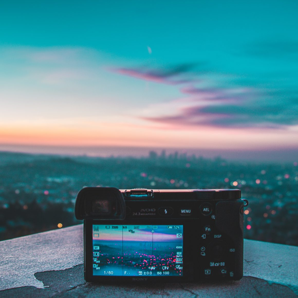 Read more about the article DSLR vs Mirrorless